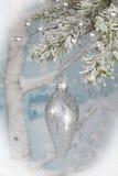 jul som hänger prydnaden Royaltyfria Foton