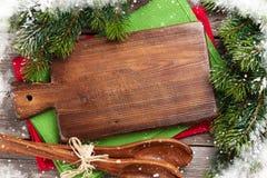 Jul som lagar mat tabellen och redskap Arkivbilder