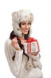 jul som rymmer den aktuella kvinnan ung Royaltyfri Fotografi
