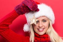 jul som rymmer prydnadkvinnan Royaltyfria Foton