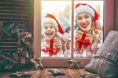 jul som tycker om familjen Arkivfoton