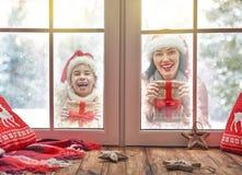 jul som tycker om familjen Royaltyfria Bilder
