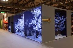 Jul står på HOMI, internationell show för hem i Milan, Italien Arkivfoto