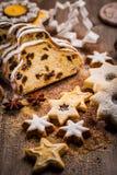 Jul stollen med kakor Arkivfoto