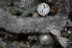 Jul struntsak och girlander Royaltyfri Bild