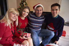 Jul tajmar med ungar Fotografering för Bildbyråer