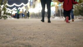Jul tränger ihop staden stock video