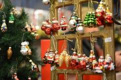 Jul-tree garneringar arkivfoton