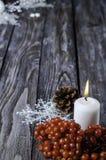 Jul viburnum och stearinljus royaltyfri foto