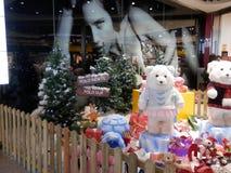 Jul visar på den Malaga flygplatsen Arkivbild