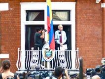 Julain Assange maakt een toespraak Stock Fotografie