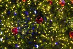 Julbakgrund av de-fokuserade ljus Royaltyfri Fotografi