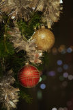 Julbakgrund med baubles Royaltyfri Fotografi