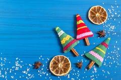 Julbakgrund med den aromatiska julgranpåsen Royaltyfria Bilder