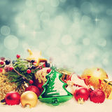 Julbakgrund med den Bokeh gnistrandet Arkivfoto