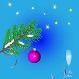 Julbakgrund med ett exponeringsglas av vin Arkivbild