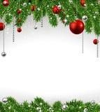 Julbakgrund med granfilialer och bollar.