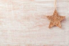 Julbakgrund med lantlig stjärnagarnering royaltyfria foton