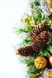Julbakgrund med ljus garnering Royaltyfri Fotografi