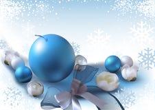 Julbakgrund med prydnader Arkivfoton