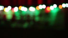 Julbakgrund med suddiga färgrika ljus stock video