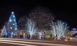 Julbelysning i Leavenworth royaltyfri fotografi