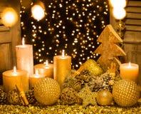 Julberöm i guld Arkivfoton
