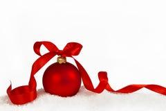 Julboll med band 3 royaltyfri bild