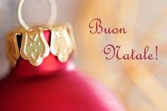 Julboll med Buon Natale Arkivfoton