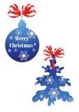 Julboll och jultree arkivfoton