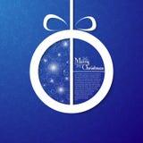 Julboll på dekorativ blå bakgrund Royaltyfri Fotografi
