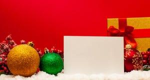 Julbollar, anmärkning och gåva fotografering för bildbyråer