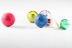 Julbollar med vit bakgrund Arkivbild