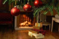 Julbollar och gåvor Royaltyfri Fotografi