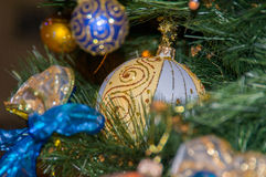 Julbollar och julgrangarneringar Arkivfoton