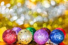 Julbollprydnad på bokehbakgrund Fotografering för Bildbyråer
