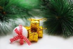 Juldesign på träbakgrunden Royaltyfria Foton