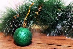 Juldesign på träbakgrunden Royaltyfri Foto