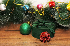 Juldesign på träbakgrunden Royaltyfria Bilder