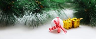 Juldesign på vit bakgrund Royaltyfria Foton