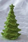 julen blänker den gröna treen Arkivbild
