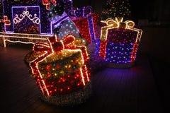 julen dekorerade gatan Arkivbilder