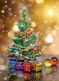 julen dekorerade grantreen Royaltyfri Fotografi