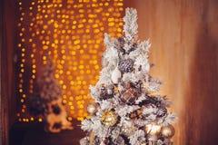 julen dekorerade treen Royaltyfri Foto