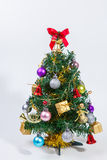 julen dekorerade treen fotografering för bildbyråer