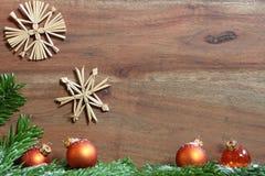 julen dekorerar nya home idéer för garnering till Royaltyfri Foto