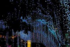 julen dekorerar nya home idéer för garnering till Visat på bokeh tänder bakgrund Arkivfoton