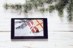 julen dekorerar nya home id?er f?r garnering till arkivbild