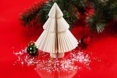 julen gjorde den paper treen Royaltyfri Fotografi