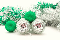Julen klumpa ihop sig i ljusa sequins Arkivbild